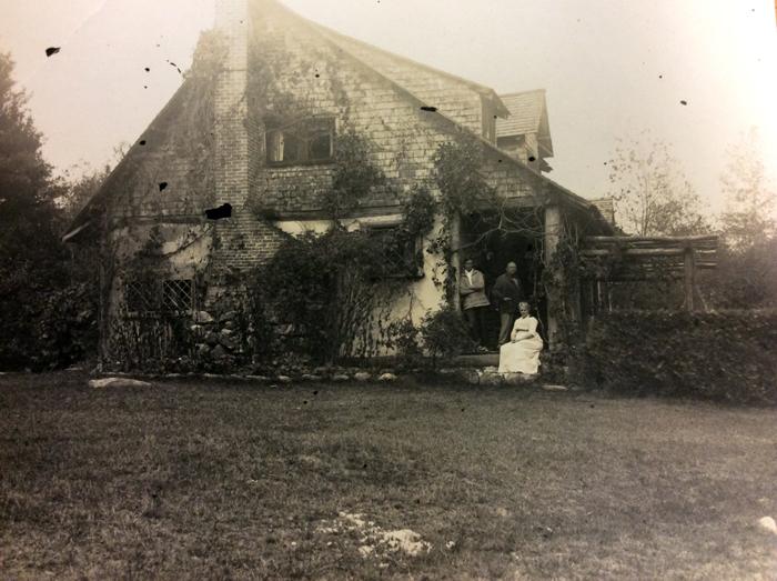 Hewnoaks History